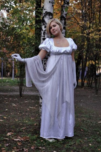 Pourquoi pas не совсем исторические платья